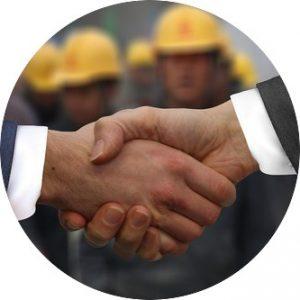 Håndslag på et godt tilbud. Bygkontrol giver dig den bedste rådgivning.