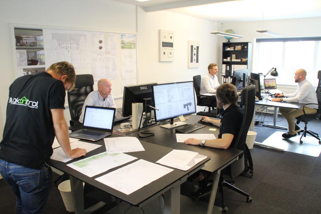 Bygkontrol kontor medarbejdere
