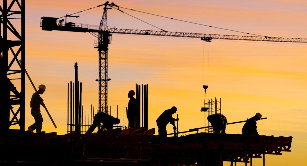 Kraner og bygningsarbejdere - optimering af byggebranchen